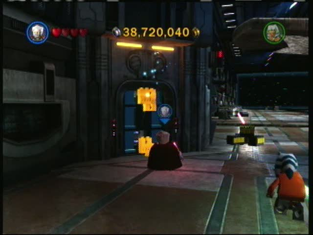 A pair of droids and a Dark Red Brick | Lego Star Wars III: The Clone Wars